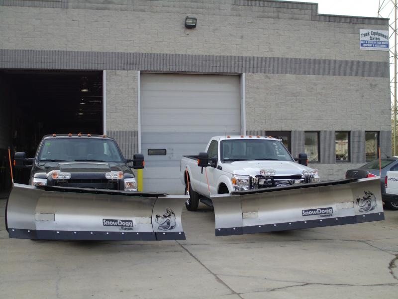 2 Buyers 8-10 Expandable Plows Stainless Steel