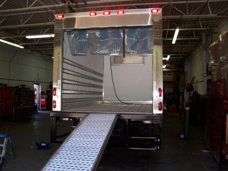 14' Refer Body W/ Underbed Ramp & 2-Step Pull Out Bumper