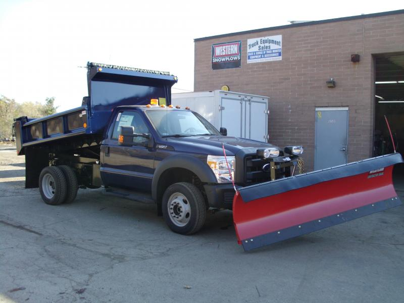 9.5' Central Hydraulics Dump With Plow