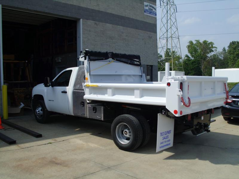 9' Dump with Aluminum L-Box on Chevy 3500 HD