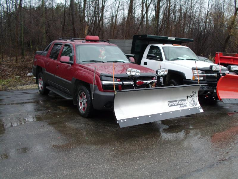 Snow Dogg MD on a Chevy Avalanche